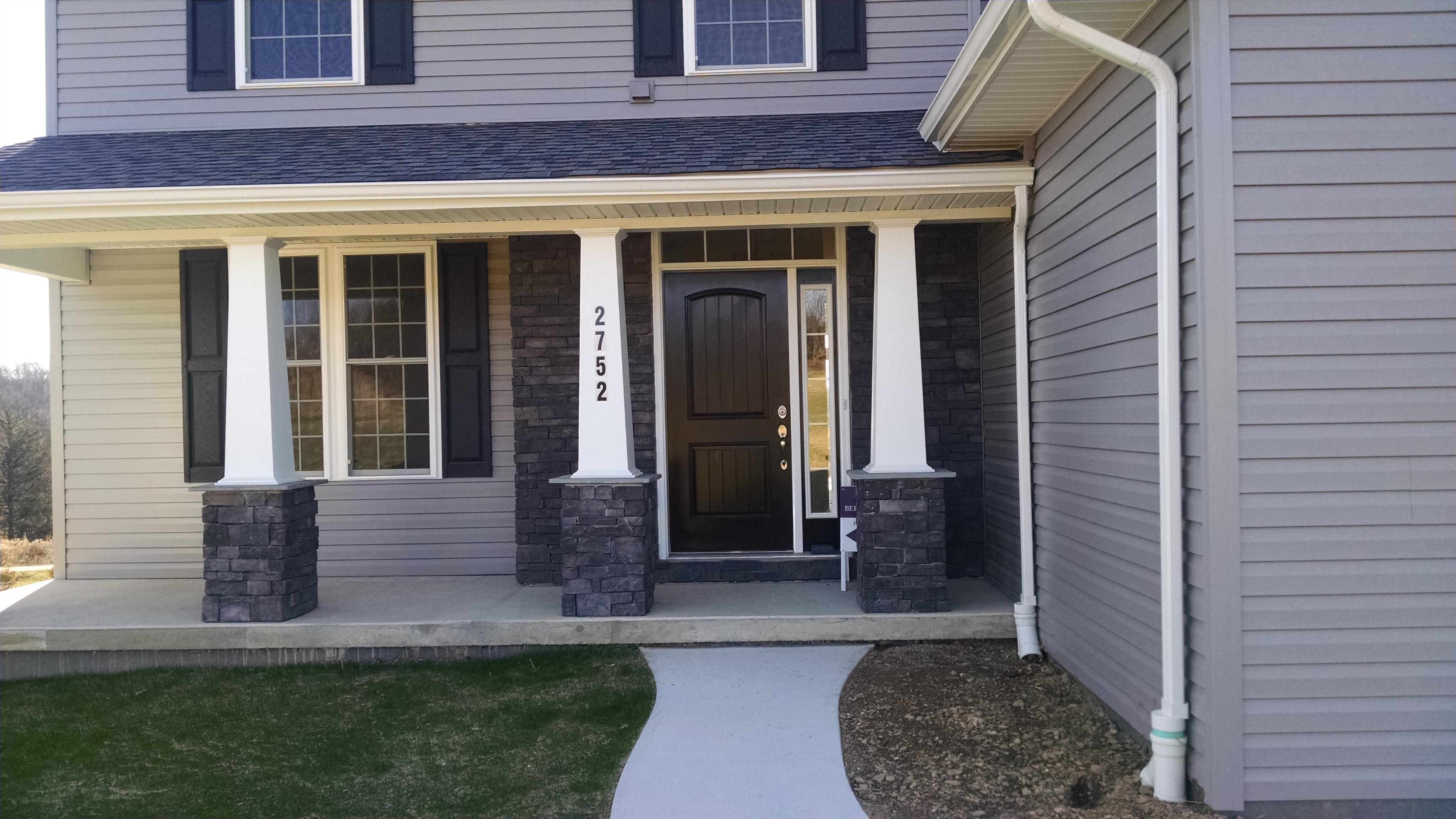Spec House 2752