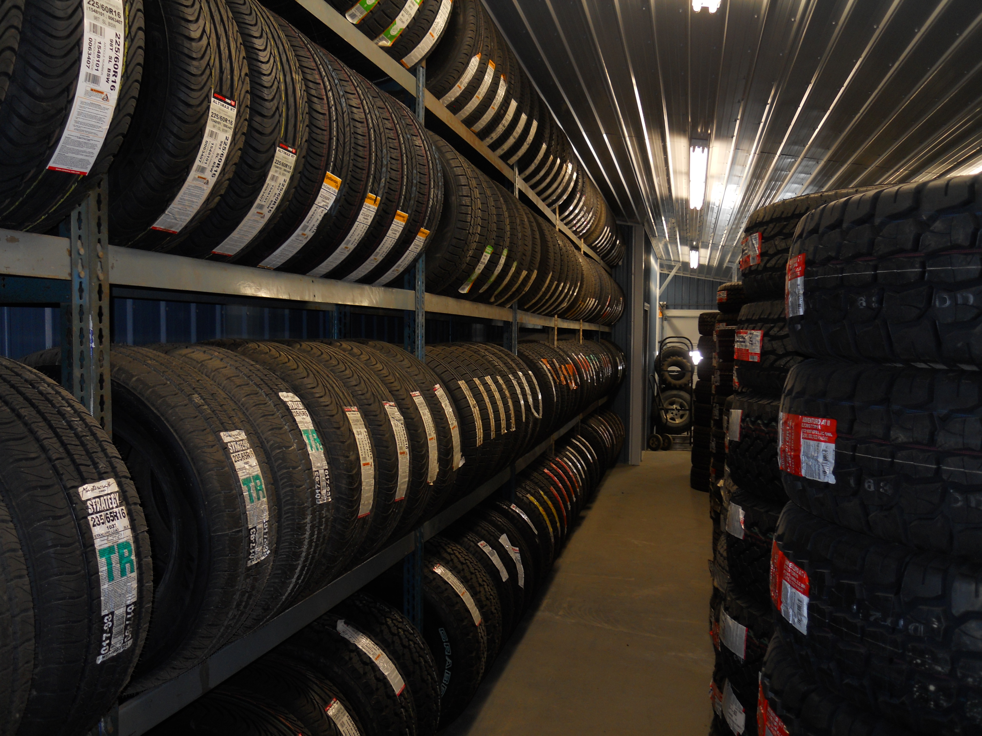 Tire Wholesale Warehouse >> Rolling Tire Shop